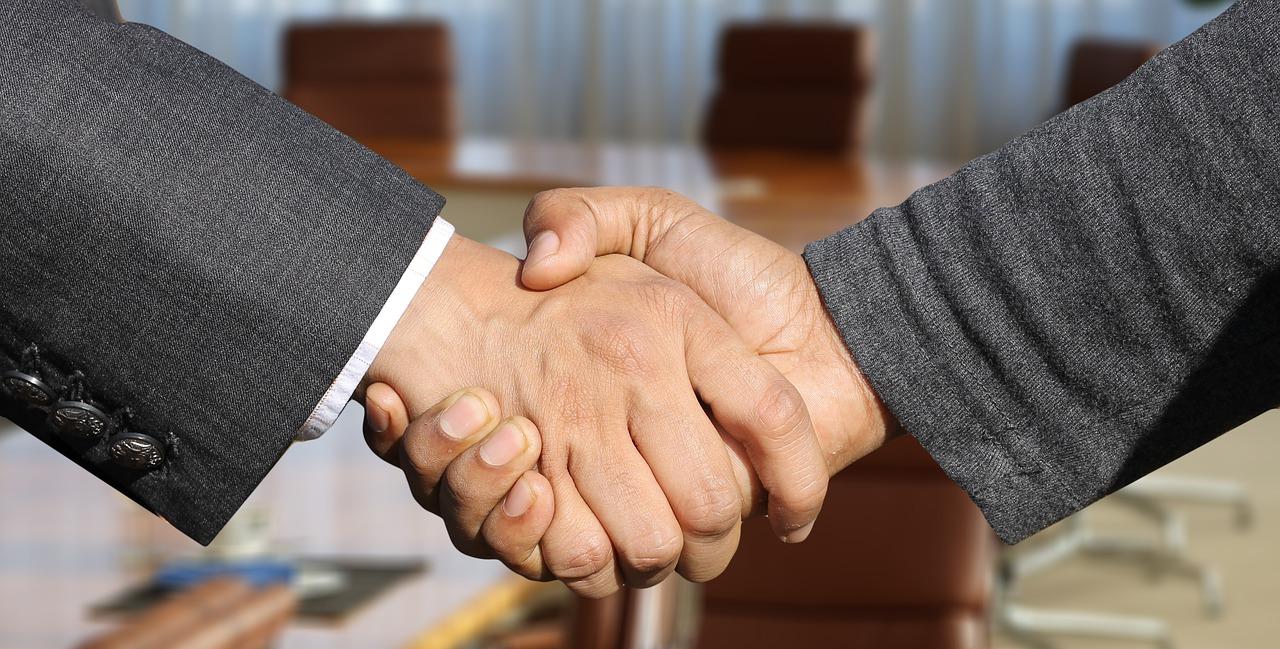 pixaby_handshake.jpg